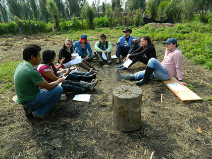 El equipo Lum k'inal en un día de actividades