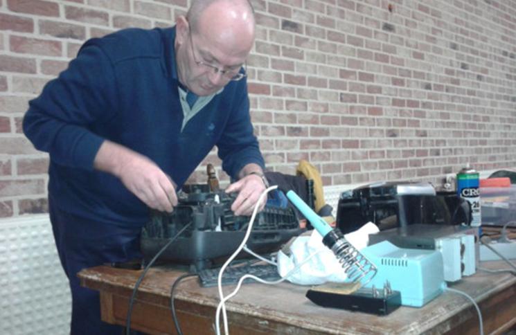 Premier Repair Café : donner une seconde vie aux objets usagés