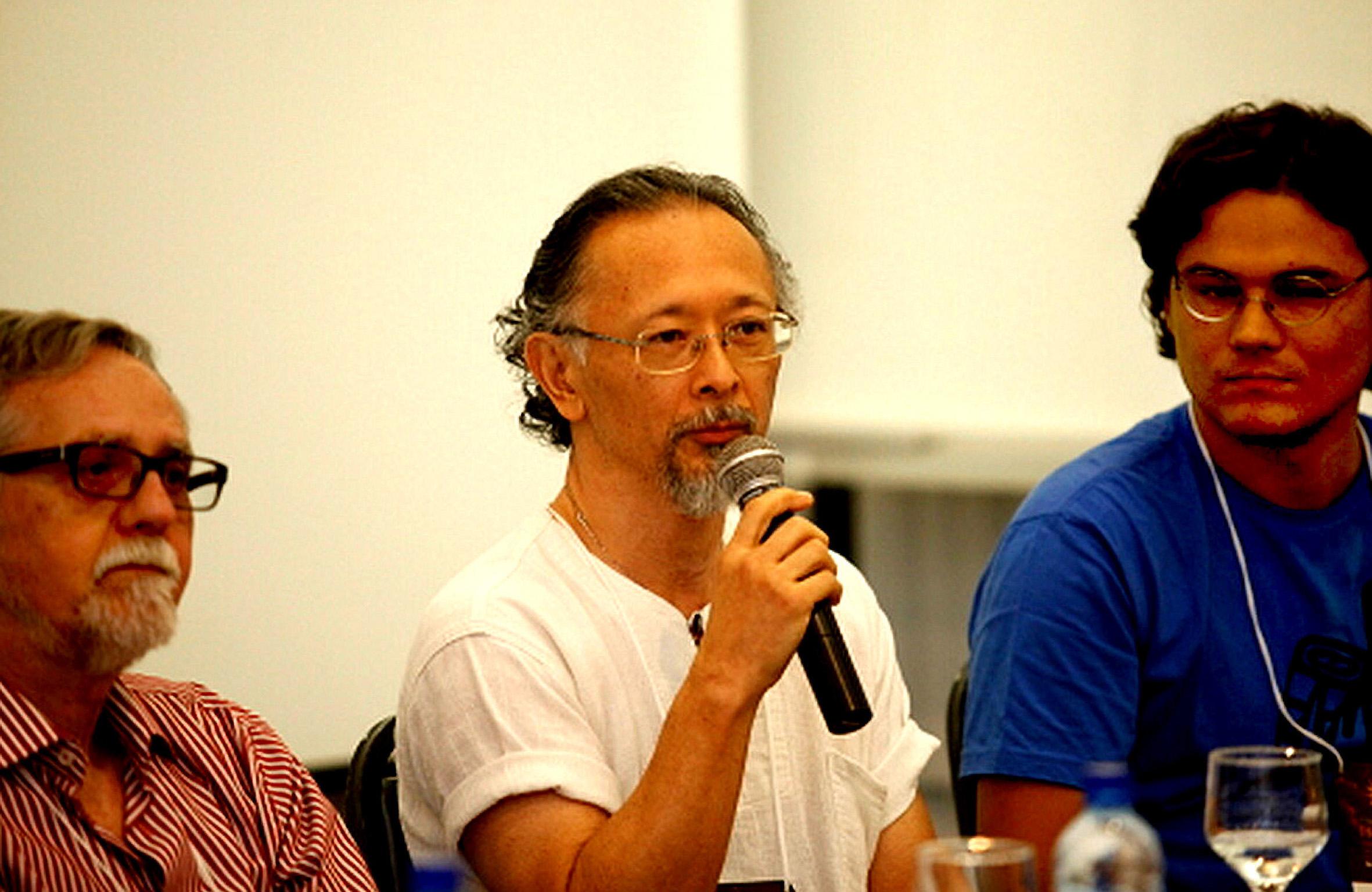 Roberto Otsu é conferencista, professor e escritor