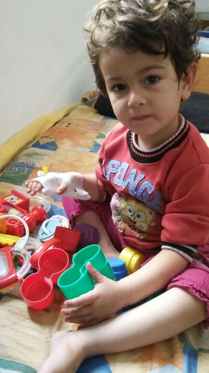 Consultation pédiatrique dans la maternité en Syrie