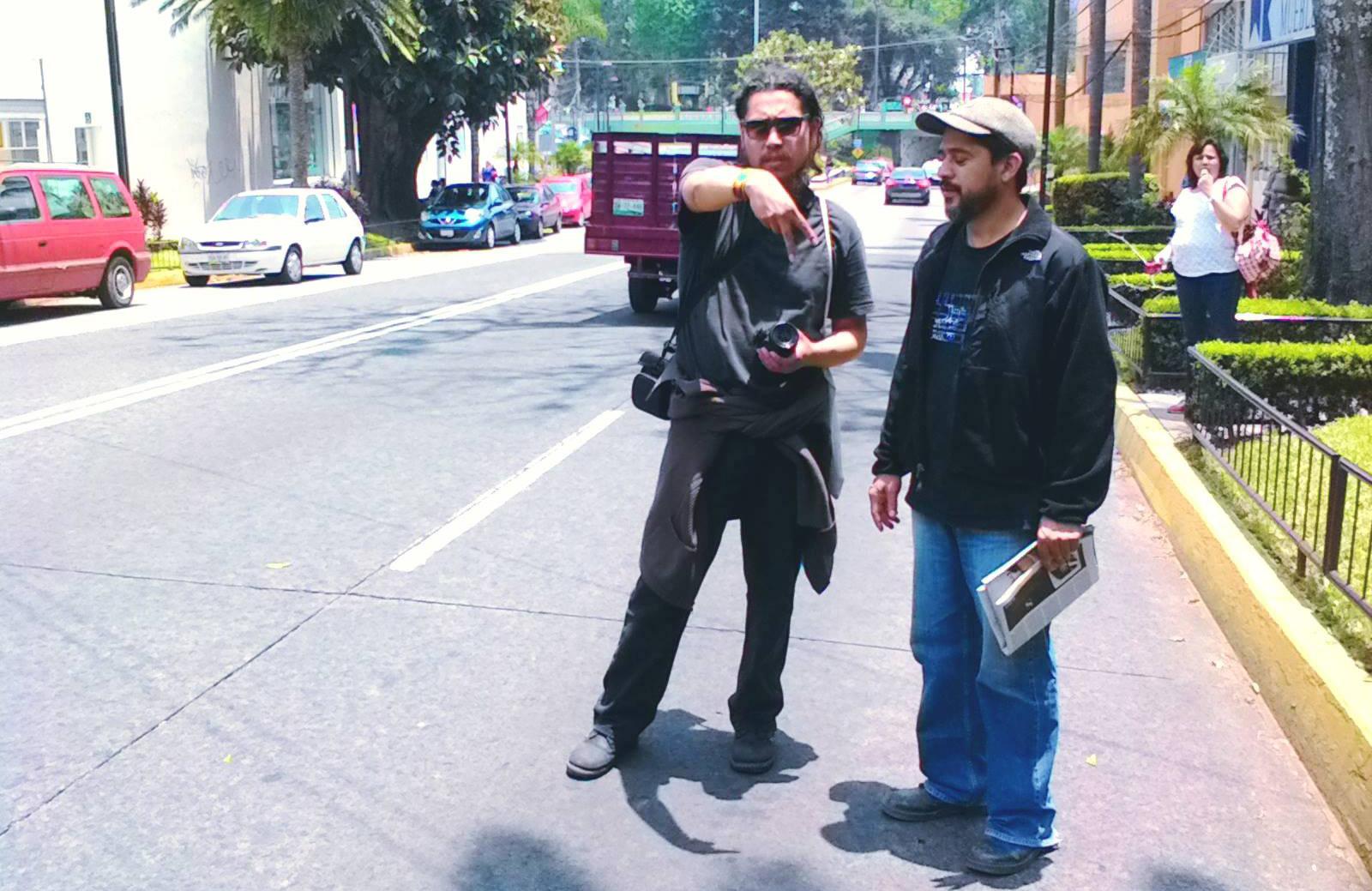 El equipo de reportaje de la revista en las calles mexicanas