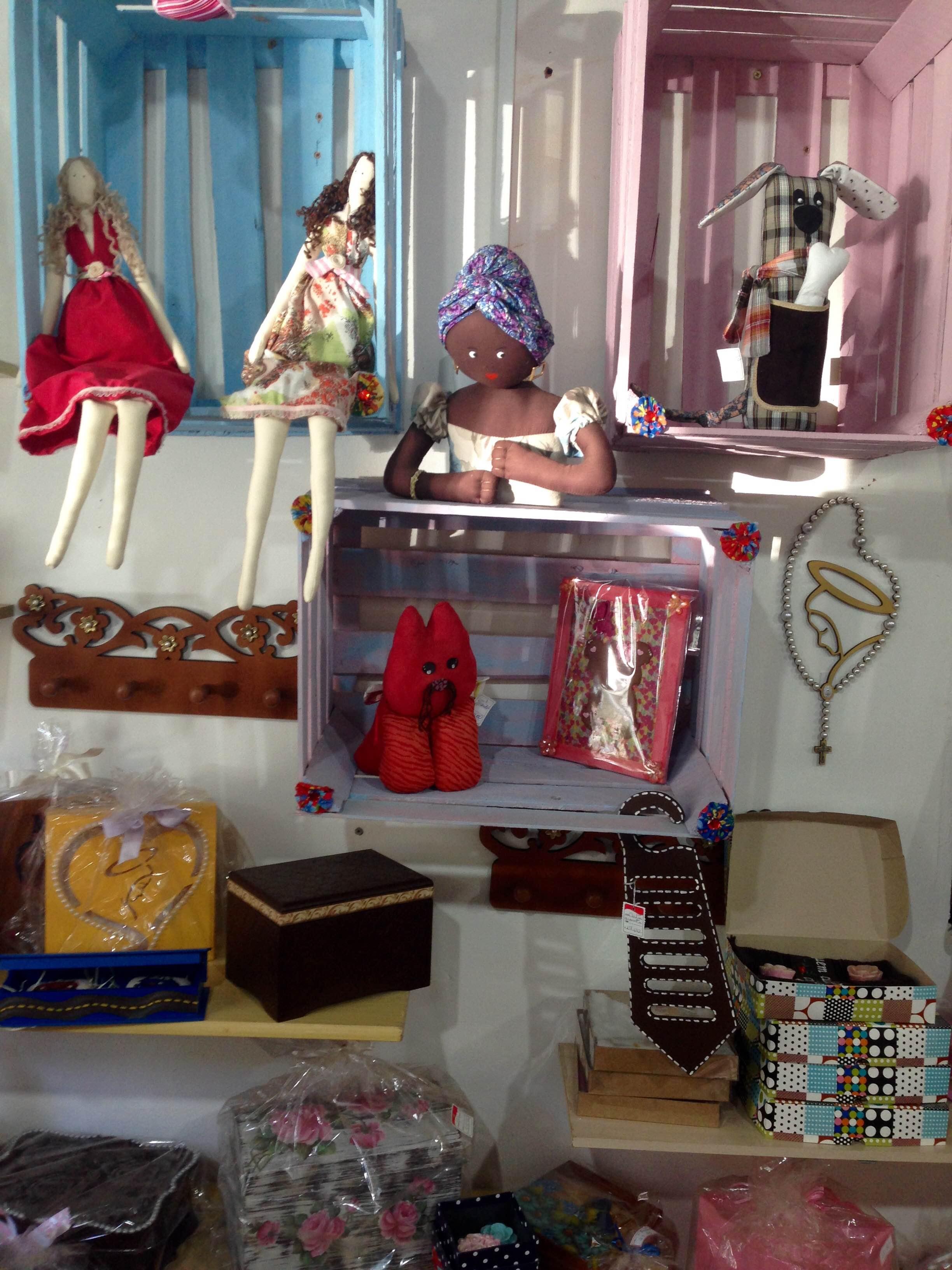Alguns produtos vendidos na loja da Associação