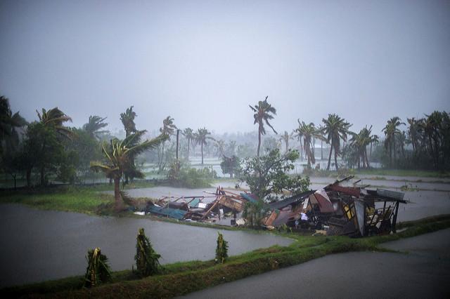 Le typhon Rammasun (Glenda) traverse la province de Laguna avec des vents de plus de 120 km/h en 2014 en Philippines