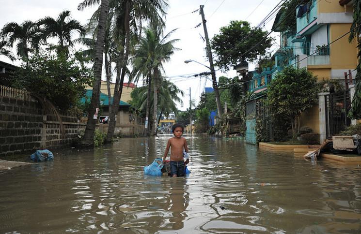 Le typhon Ketsana (Ondoy) a chuté de 455 mm (17,9 po) de pluie sur la ville de Manille en l'espace de 24 heures le 26 septembre 2009.